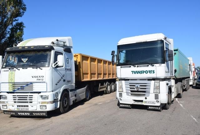 Памятка для начинающего водителя грузовика: права и возможности | Блог  Transportica