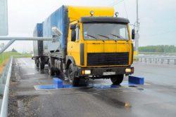 Чаще всего на стационарных пунктах контроля измерение веса производится по осям грузового автомобиля