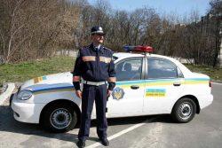 Украинский инспектор дорожной полиции может быть приветливым или официальным, но надеяться на его невнимательность не приходится.