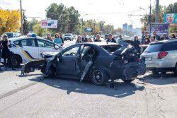 Большинство городских аварий происходит с легковыми автомобилями.