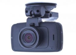 Даже недорогой видеорегистратор способен выполнять основные функции записи.