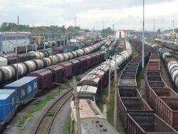 Типичная грузовая станция крупного железнодорожного узла.